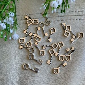 💕5 for $10! Lot of 20 silver key charms